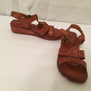 Shoes - Rare Leather Chaco Style Chunky Sandals Size 7B